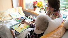 Hilfe auch für Angehörige: Wie bereitet man sich aufs Lebensende vor?