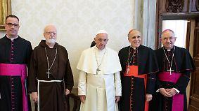 Missbrauchsskandal in Katholischer Kirche: Erzkonservative rebellieren gegen Papst Franziskus