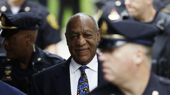Cosby war im April wegen schwerer sexueller Nötigung in drei Fällen schuldig gesprochen worden.