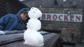 Erster Schneefall: Kalte Jahreszeit kündigt sich eindrucksvoll an