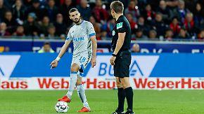 """Tedesco hadert nach fünfter Schalke-Pleite: """"Der Schiedsrichter steht und blockt den Ball"""""""