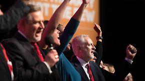 Parteitag der britischen Linken: Labour stimmt für Option zur Abkehr vom Brexit