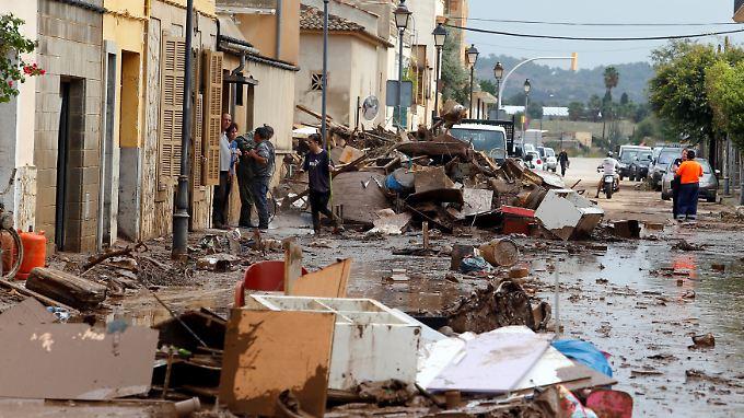 Bei den heftigen Überschwemmungen auf Mallorca sind mindestens zehn Menschen ums Leben gekommen.
