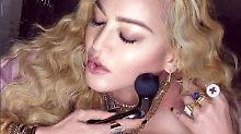 Sextoy im Gesicht?: Das Netz lacht über Madonna