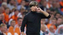 Fußball-Bundestrainer Joachim Löw erwartet eine neuerliche Debatte um seine Zukunft.