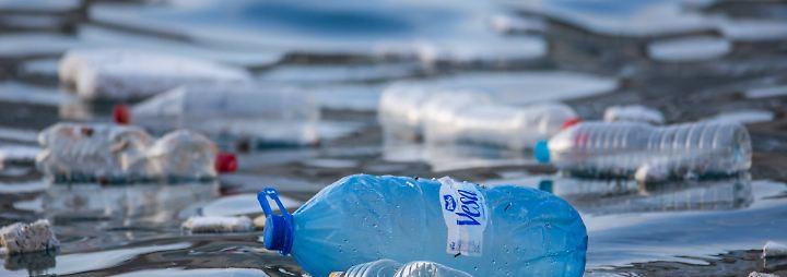 Inzwischen ist klar, es gibt fünf dieser Müllstrudel auf den Weltmeeren.