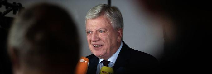 Wieder wird es kompliziert: Bouffier muss nebenbei noch Merkel retten