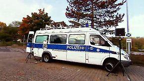 Freund, Helfer und DJ: Ungewöhnliche Polizeimaßnahme erfreut Partygänger