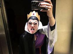 Schauspieler als böse Königin: Erkennen Sie den Ochsenknecht?
