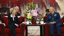 """Kein """"Recht des Stärkeren"""": Von der Leyen ermahnt China und USA"""