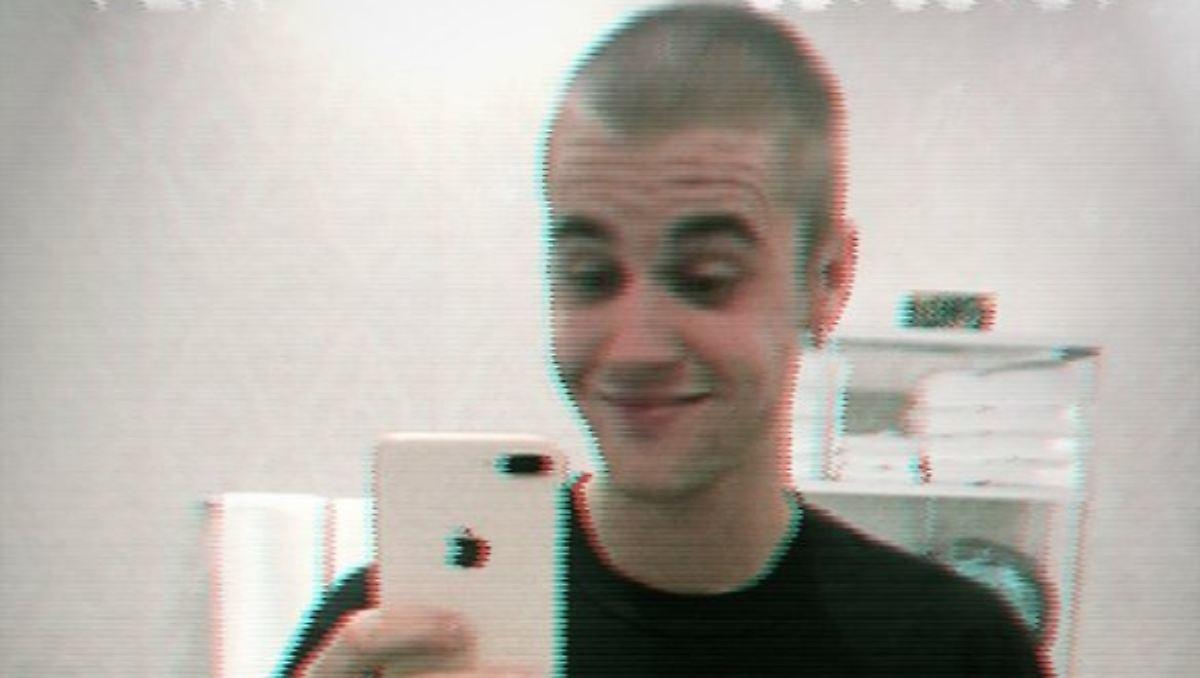 Er Hat Die Haare Wieder Schon Justin Bieber Rasiert Sich Den Kopf