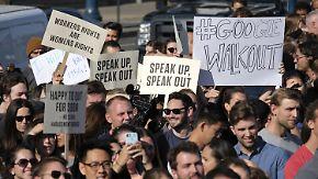 Protest gegen Umgang mit Sexismus: Google-Mitarbeiter marschieren aus ihren Büros