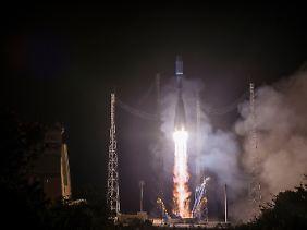 """""""Metop-C"""" beim Start vom europäischen Weltraumbahnhof Kourou."""