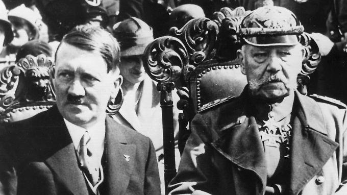 Reichspräsident Paul von Hindenburg machte Adolf Hitler 1933 zum Reichskanzler. Es war das Ende der Weimarer Republik.