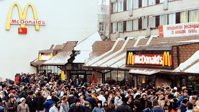 Lange her: Schlangen vor dem ersten McDonald's in Russland, der am 31. Januar 1990 seine Tore öffnete.