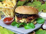 Die Frau am Grill: Herbstlicher Burger mit Apfel-Zimt-Chutney