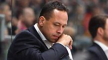 Ex-Eishockey-Bundestrainer Marco Sturm ist mit einer herben Niederlage in seinen neuen Job in der NHL gestartet.