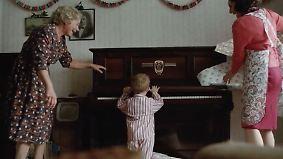 Emotionale Zeitreise: Weihnachtsspot mit Elton John wird zum Klickhit