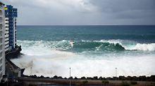 Sturm wütet auf Teneriffa: Riesenwelle reißt halbes Hotel nieder