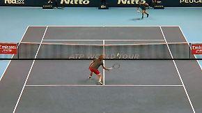 Erster Deutscher ATP-Champion seit 1995: Zverevs krachende Vorhand kippt Djokovics Balance