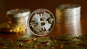 Kryptowährung im freien Fall: Darum erleben Bitcoins historischen Absturz
