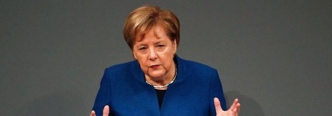 Schlagabtausch im Bundestag: Merkel sieht digitalen Nachholbedarf
