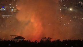 Lichterfest in Myanmar: Heißluftballon explodiert über Menschenmenge
