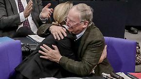Der Kanzlerin genügt ein Satz: Merkels Weidel-Konter erntet Jubelschreie