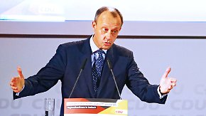 """Schulz: """"Stimmen fischen am rechten Rand"""": Merz fordert Debatte über Grundrecht auf Asyl"""