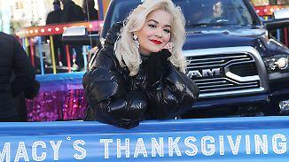 Promi-News des Tages: Rita Ora leistet sich peinlichen Playback-Patzer