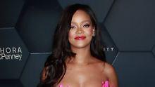 Total blau: Das finden Rihannas Fans mal wieder spitze