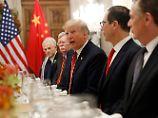 Donald Trump und seine Delegation bei den Gesprächen mit den Chinesen in Buenos Aires.