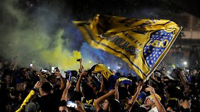 Fußballwahnsinn in Argentinien: Fans machen Boca-Abreise zum Spektakel