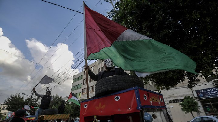 Im Vorfeld hatte es Proteste gegen die Resolution gegeben, unter anderem in Gaza Stadt.