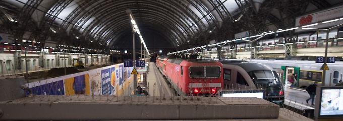 Streik-Chaos in Deutschland: Bahn stellt Fernverkehr komplett ein
