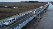 Der Verkehr rollt wieder, auf der A20 bei Tribsees.