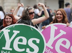 """Historischer Moment"": Irisches Parlament legalisiert Abtreibungen"