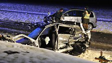 Blitzeis, Schnee, Überflutungen: Chaos auf deutschen Straßen