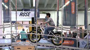 Fahrradmesse in Essen: E-Bikes liegen voll im Trend