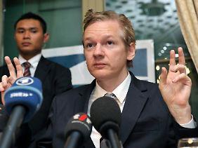 """Assange war ursprünglich zu einem """"einvernehmlichen Treffen mit der Polizei"""" bereit."""