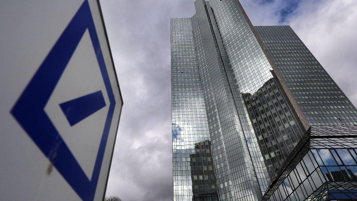 Mitarbeiter-kassieren-ab-Deutsche-Bank-sch-ttet-Milliardenboni-aus