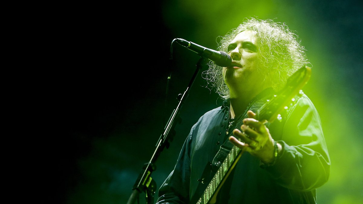 The-Cure-Mastermind Smith wird 60