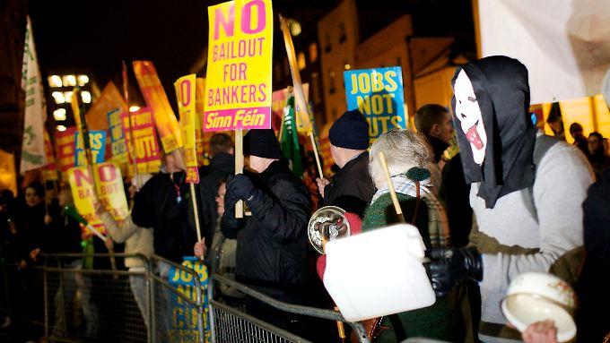 """""""Traumatische Zeit"""": Dublin bringt Sparpaket auf den Weg"""