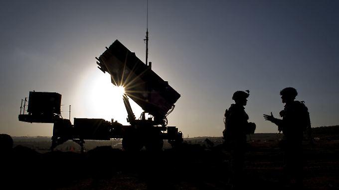 Raytheon entwickelt und produziert das Raketenabwehrsystem Patriot.