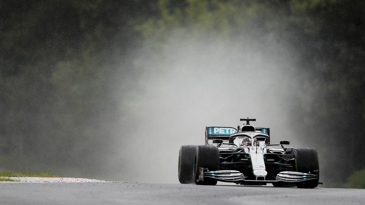 Freies Training zum Ungarn-GP: Hamilton fährt trotz