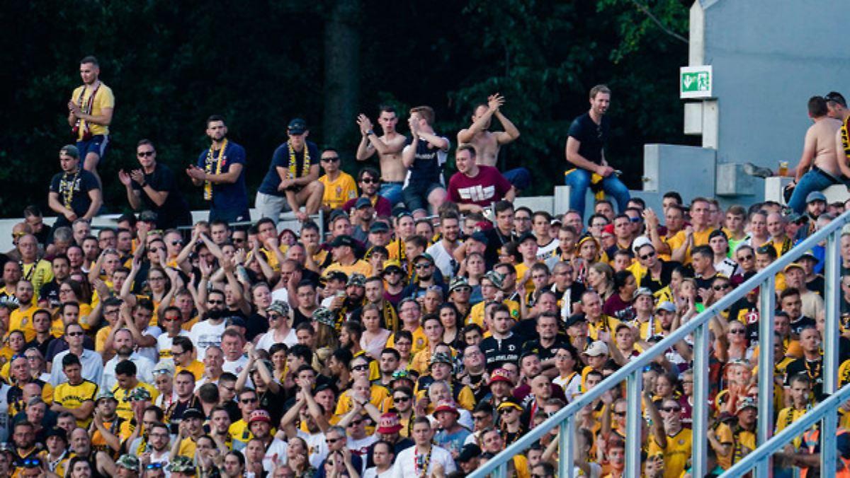 Dynamo-Fan stürzt meterweit in die Tiefe