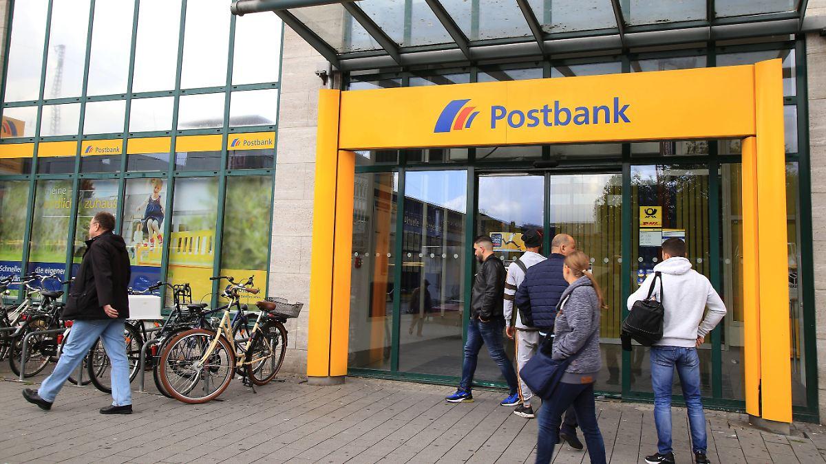 Postbank verhängt Strafzinsen ab 25.000 Euro