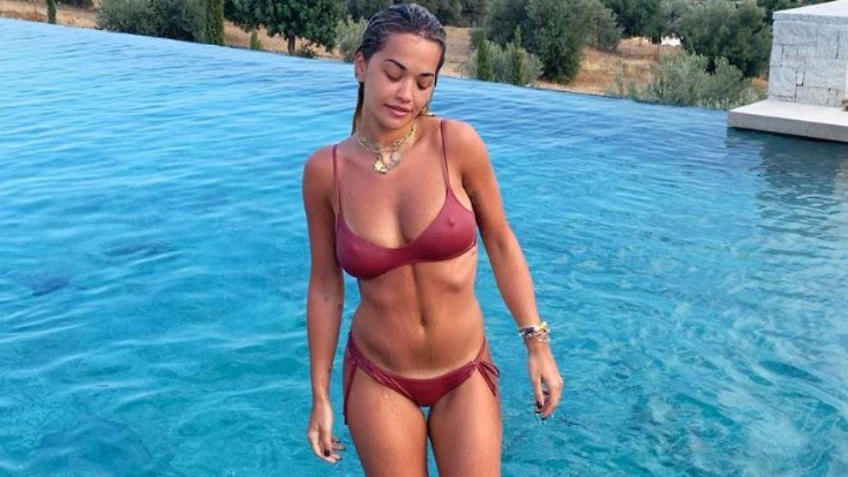 Rita Ora gibt den Reiseführer