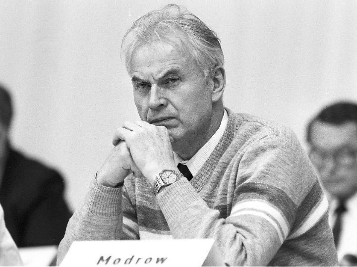 Heute vor 30 Jahren: DDR Machtkampf am Runden Tisch n