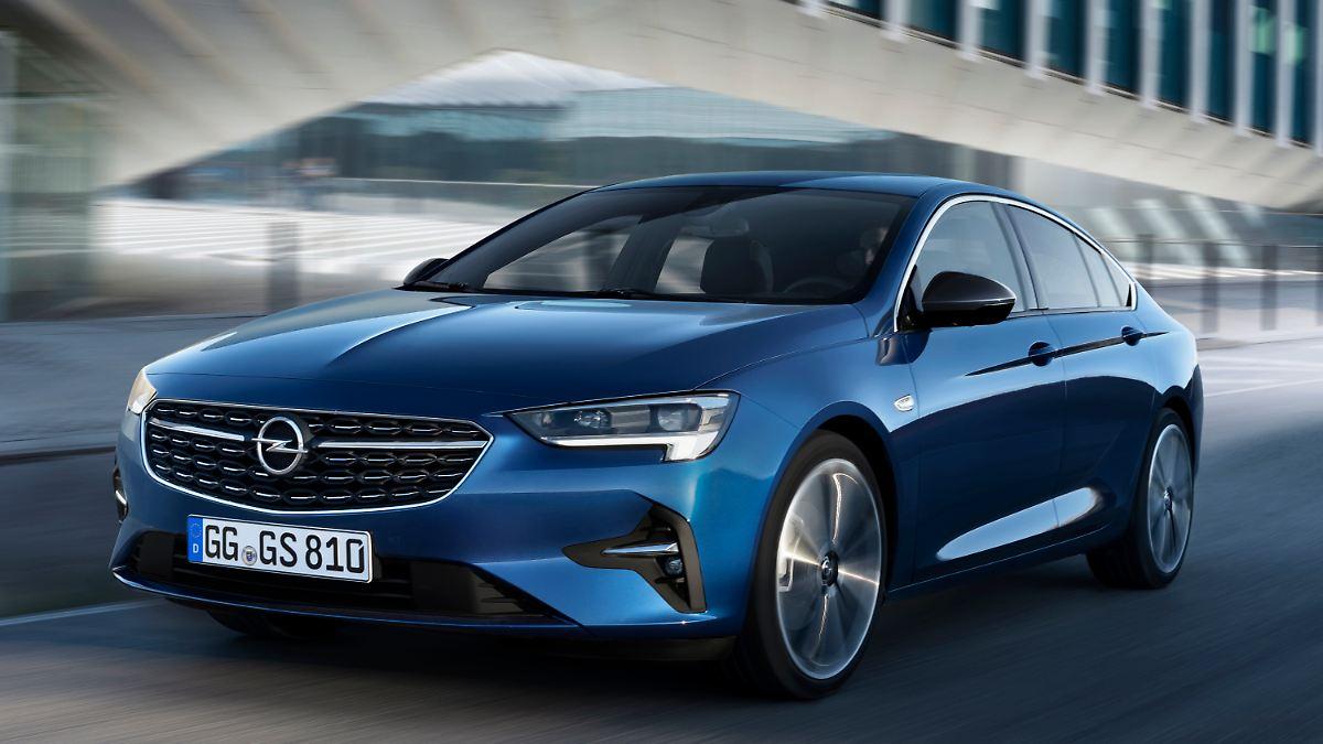 Opel fährt gelifteten Insignia vor